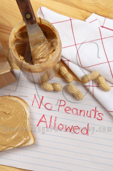Peanut Warning – No Peanuts Allowed | Stock Photo